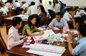 Photo: A lecturers' training course in Viet Nam where improving teaching methods is discussed. Credit: Pham Vu Hoang Giang/UNESCO EFA Report